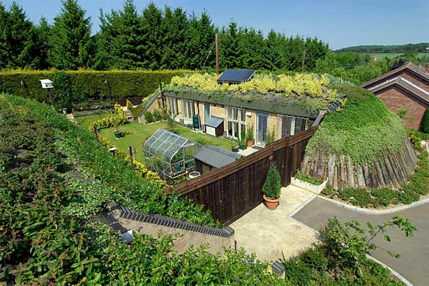 Advantages of underground earth sheltered homes top 20 for Berm home