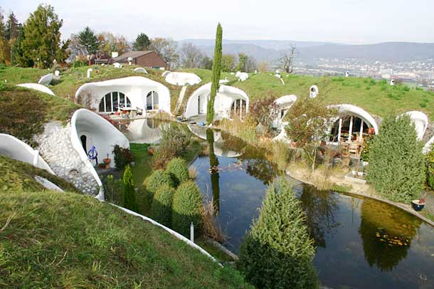 Underground homes earth sheltered berm buildings for Building earth sheltered homes